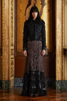 See the complete Roberto Cavalli Fall 2017 Ready-to-Wear collection.