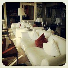 Davos Hotel Schatzalp Davos, Sofa, Couch, Best Hotels, Nice, Furniture, Home Decor, Settee, Settee