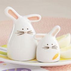 Cottontail Salt And Pepper Shakers Pinch Pots Grinders