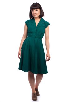 The solid colour Ava dress from Circus at Carousel Vintage Inspired Outfits, Vintage Style Outfits, Vintage Dresses, Vintage Fashion, Latest Summer Fashion, Style Challenge, Ava, 40s Style, Dresses For Work