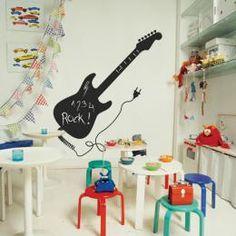 @Jochem van den Heuvel speciaal voor de babykamer? Schoolbordsticker gitaar via siltandliving.nl
