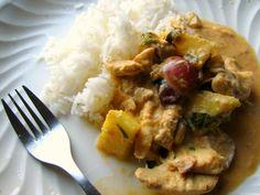 curry-rojo-de-pollo-con-pina-y-uvas