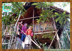Paket Perjalanan Wisata Pulau Belitung bersama Imaji Tour - Batu Mentas merupakan tempat wisata alam di Pulau Belitung. Keunggulan dari destinasi ini ialah suasana hutannya yang teduh dan asri, dan air sungainya yang bening dengan hiasan batu-batuan granit.