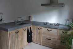Home - De steiger houtloods Kitchen Reno, Kitchen Remodel, Kitchen Cabinets, Kitchen Flooring, Kitchen Backsplash, Cottage Living, Home And Living, Scaffolding Wood, Cabin Kitchens