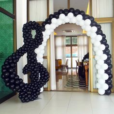 Can someone please do this over my classroom door? Music Notes Decorations, Ballon Decorations, Music Decor, Music Baby Showers, Music Themed Parties, Balloon Arrangements, Gift For Music Lover, Balloon Arch, Event Decor