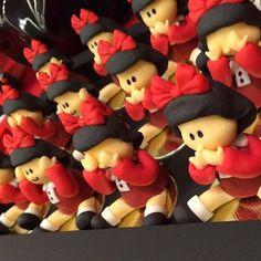 Trufas modeladas Mafalda! @joyce_mendonca