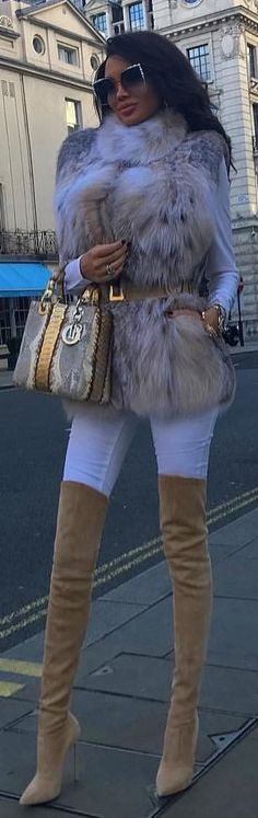 #winter #outfits brown fur coat. Pic by @catwalk_connection.