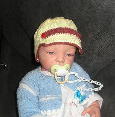 Gorra en hilo para primavera-verano en crochet para bebés. www.modabledor.es
