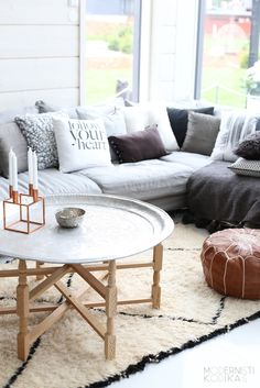 Cozy living room with a Kubus candle holder from By Lassen.