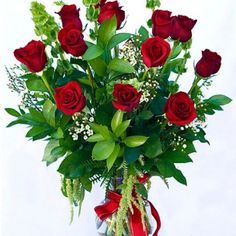 50 Lovely Rose Arrangement Ideas For Valentines Day Valentine's Day Flower Arrangements, Rosen Arrangements, Deco Floral, Arte Floral, Floral Design, Valentines Flowers, Valentine Gifts, Online Florist, Growing Roses