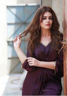 Fashion: Our Tips And Tricks Are Tops. Having bad fashion sense is also bad for self-esteem. Pakistani Girl, Pakistani Actress, Pakistani Dresses, Bollywood Actress, Stylish Dress Designs, Stylish Dresses, Girl Photo Poses, Girl Poses, Cute Celebrities