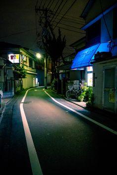 ぐっときた風景 Night Photography, Street Photography, Life Image, Arte Cyberpunk, Art Asiatique, Japan Street, Aesthetic Japan, City Landscape, Night City