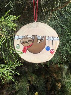 Christmas Sloth, Rustic Christmas, Christmas Art, Handmade Christmas, Beach Christmas, Christmas Canvas, Christmas Ideas, Painted Christmas Ornaments, Wood Ornaments