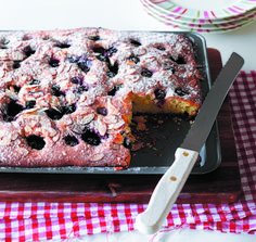 Easy Berry Buckle - I Love Eggs