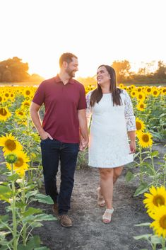 Engaged couple in the sunflower fields. Sunflower Fields, Engagement Couple, Engagement Photography, My Photos, Couples, Style, Fashion, Swag, Moda