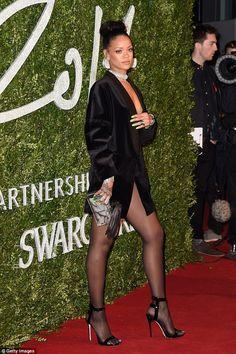 Rihanna - British Fashion Awards in London Moda Rihanna, Rihanna Fenty, Rihanna Looks, Rihanna Style, Rihanna Red Carpet, British Fashion Awards, Celine Dion, In Pantyhose, Stylish Clothes