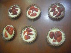 Receita de Tarteletes de morango e chocolate branco - Tudo Gostoso