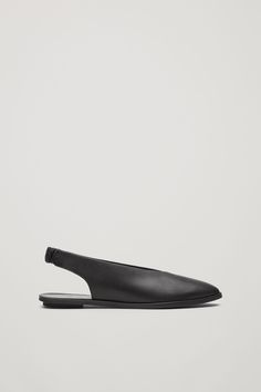 A simple, sleek design, these slingback style sandals are made for everyday wear. They are completed with rubber soles and a slim heel.