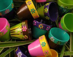Painted Flower Pots Small Flower Pots by HappyMooseGardenArt Flower Pot Art, Small Flower Pots, Flower Pot Crafts, Painted Plant Pots, Painted Flower Pots, Clay Pot Projects, Clay Pot Crafts, Pots D'argile, Clay Pots