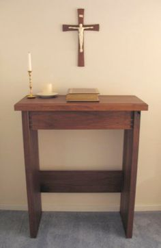 I have been intreagued with the idea of a home altar. A place with speacial meaning for the family to join in family devotion. This is a very simple example. Though, not being Catholic myself, I wouldn't have a curcifix, but a plain cross. Prayer Closet, Prayer Room, Home Altar Catholic, Roman Catholic, Altar Design, Prayer Corner, Hygge Home, Spiritus, Meditation Space