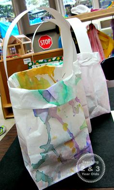 Teaching 2 and 3 Year Olds: Watercolor Easter or Mother's Day gift Bags that Preschoolers Can Make