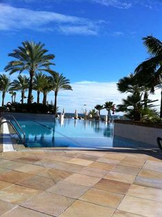The large pool of the Marriotts Playa Andaluza in Malaga on the Costa Del Sol offers a great way to cool off under Spain's sunshine. #Marriotts #Spain #Timeshare http://www.timeshare-hypermarket.com/marriotts-playa-andaluza.aspx