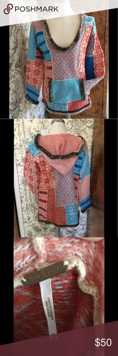Woman's Free People vintage sweater Beautiful vintage Free People pullover with hood and faux fur trim sweater! Colorful and fun! In great shape!!! Hate to part with it but time to find another loving home! 💖 Free People Sweaters
