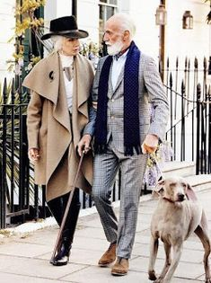 ageless style aging gracefully over 50 Fashion Couple, Fashion Over 50, Look Fashion, Fashion Tips, Mature Fashion, Paris Fashion, Fashion Women, Retro Fashion, Dance Fashion