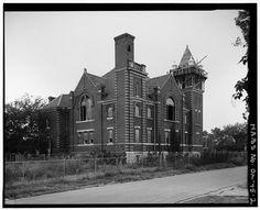 VIEW TO SOUTHWEST (NORTHEAST PERSPECTIVE) - Maywood Presbyterian Church, 400 Northeast Ninth Street, Oklahoma City, Oklahoma County, OK