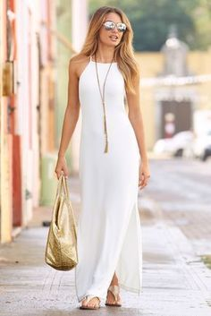 This women's white travel high neck maxi dress looks great> Of course, the long chain necklace is a great accent to the outfit! Mode Outfits, Dress Outfits, Fashion Dresses, Fashion Clothes, Clothes Women, 1920s Clothes, Dress Clothes, Skirt Fashion, Packing Outfits