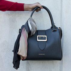Burberry Hos Dale finner du et stort utvalg i vesker fra det engelske high-end merket. Kate Spade, Bags, Handbags, Totes, Lv Bags, Hand Bags, Bag, Pocket