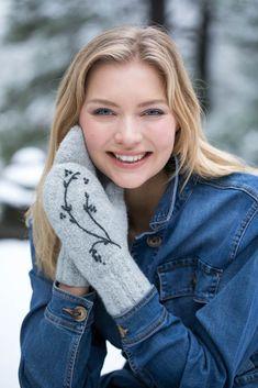EP21-45 Janna votter – Trysil Garn Turtle Neck, Felting, Winter, Sweaters, Fashion, Threading, Winter Time, Moda, Felt Fabric