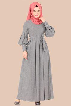 Long Dress Fashion, Abaya Fashion, Fashion Dresses, Muslim Women Fashion, Islamic Fashion, Hijab Evening Dress, Hijab Style Dress, Sleeves Designs For Dresses, Batik