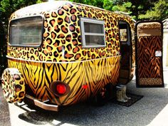 fred i found the caravan to go camping Old Campers, Little Campers, Happy Campers, Retro Caravan, American Graffiti, Boler Trailer, Camper Trailers, Tiny Trailers, Vintage Caravans
