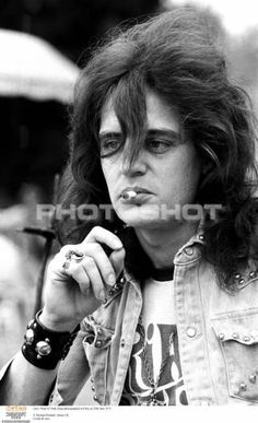 Gary Thain in Paris on June 1973 © Michael Putland / Retna/Photoshot Gone Too Soon, Uriah, Music Film, View Image, Rock Bands, The Beatles, Rock N Roll, Guitars, Musicians