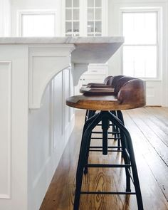 Can't decide on a bar stool for your modern farmhouse kitchen? Read this pos… Can't decide on a bar stool for your modern farmhouse kitchen? Read this post to choose the style that best suits your personality. Rustic Bar Stools, Farmhouse Stools, Industrial Bar Stools, Farmhouse Kitchen Cabinets, Farmhouse Style Kitchen, Modern Farmhouse Kitchens, Home Decor Kitchen, New Kitchen, Modern Stools