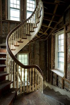 It would be so amazing to take an abandoned house and transform it to some beautiful