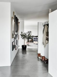 When it comes to flooring options, concrete might not be topnotch of your floori. - Wohnen - Welcome Haar Design House Design, Scandinavian Home, White Walls, House Interior, Trending Decor, Home, Concrete Floors, Swedish Decor, Home Decor
