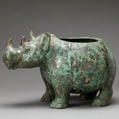 Dating back to the Bronze age (i.e. 1500–221 BCE), Reina is incredibly unique because few vessels in China at that time took the shape of an animal. Furthermore, her underbelly carries an inscription that records a royal gift.