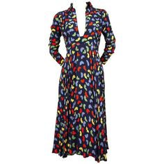 Preowned 70's Ossie Clark For Quorum 'celia Birtwell' Fan Printdress... ($3,200) ❤ liked on Polyvore featuring dresses, black, day dresses, tie back dress, plunging neckline dress, zip up dress, pre owned dresses and ossie clark dress