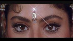 Dil Le Gayi Teri Bindiya - Vishwatma (1992) Full Video Song *HD*