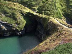 Pembrokeshire Coast - Top 10 Most Scenic Spots on the Wales Coastal Path Beautiful Places To Visit, Places To See, Wales Coastal Path, South Wales, Wales Uk, Pembrokeshire Coast Path, Australia Tourism, Country Walk, England And Scotland