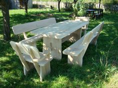 Gartenmoebel aus eiche1 Picnic Table, Furniture, Home Decor, Oak Tree, Homemade Home Decor, Home Furnishings, Picnic Tables, Decoration Home, Arredamento