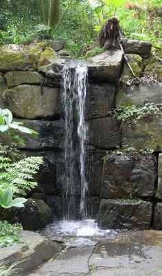 Beautiful backyard waterfall ideas (55)