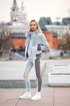 Street Style: From Russia with Love. - Total Street Style Looks And Fashion Outfit Ideas Sport Fashion, Look Fashion, Winter Fashion, Fashion Outfits, Street Fashion, Net Fashion, Fashion Weeks, Street Style, Street Chic