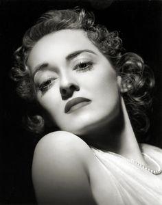 Bette Davis, 1939
