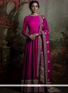 Be the sunshine of everyone's eyes dressed in such a desirable hot pink banglori silk floor length anarkali suit. The embroidered, patch border and resham work appears chic and aspiration for any af.Shop Lace Work Anarkali Salwar Kameez Online In F Bridal Anarkali Suits, Silk Anarkali Suits, Anarkali Dress, Bollywood Anarkali Suits, Indian Anarkali, Long Anarkali, Indian Salwar Kameez, Punjabi Suits, Indian Gowns Dresses