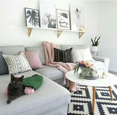 House Tour: A Sophisticated Mixed & Matched Rental | Living rooms ...