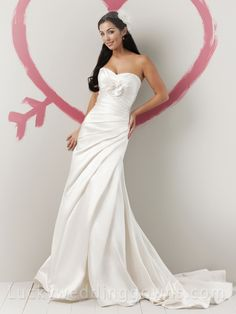 Summer Fairytale Satin Strapless Sweetheart Wedding Dress with Asymmetrical Draped