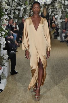 Ralph Lauren revealed his collection during New York Fashion Week New York Fashion, Runway Fashion, Boho Fashion, High Fashion, Fashion Show, Womens Fashion, Fashion Design, Steampunk Fashion, Gothic Fashion